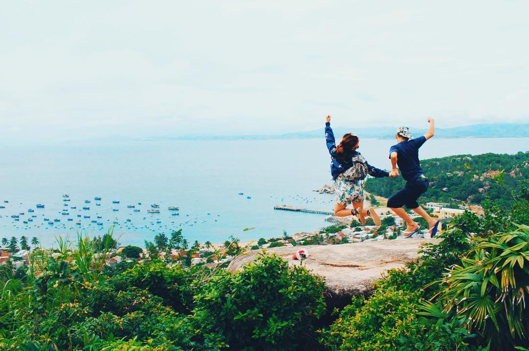 Leo núi ở Cù Lao Xanh