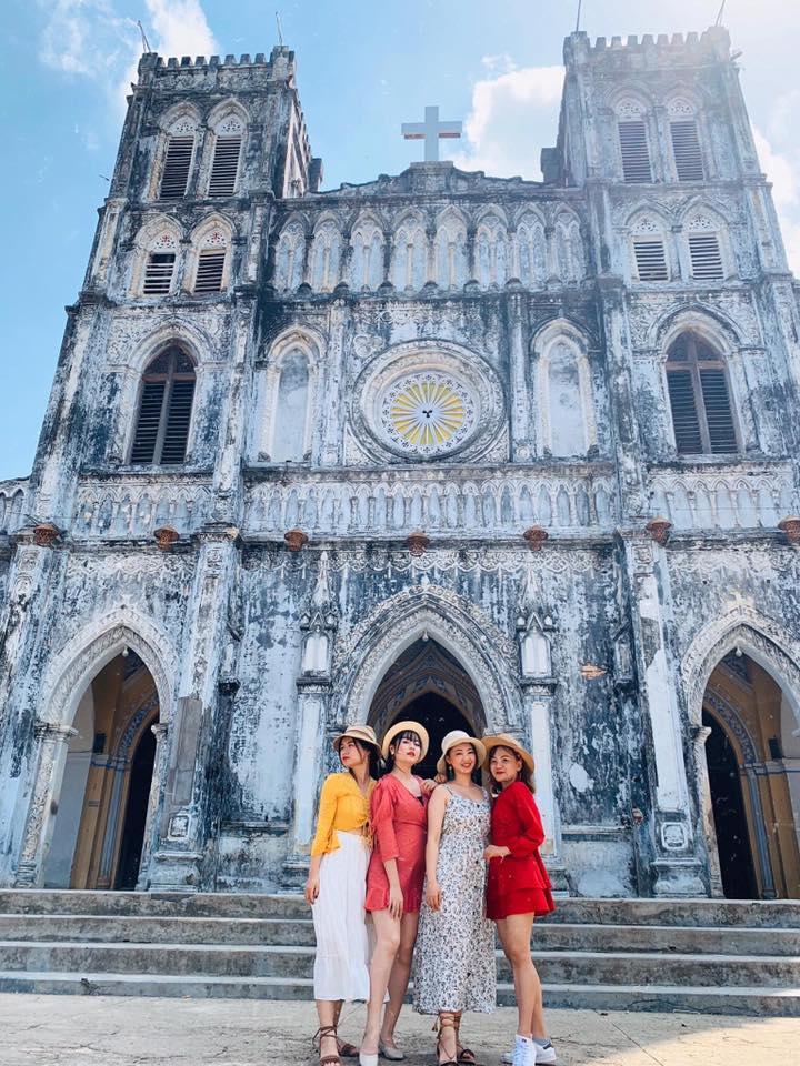 Du lịch Quy Nhơn cùng nhóm bạn lưu giữ tuổi thanh xuân